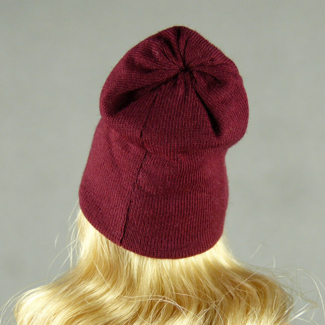 Vogue 1/6 Scale Female Fashion Burgundy Red Knit Beanie Hat Image 3