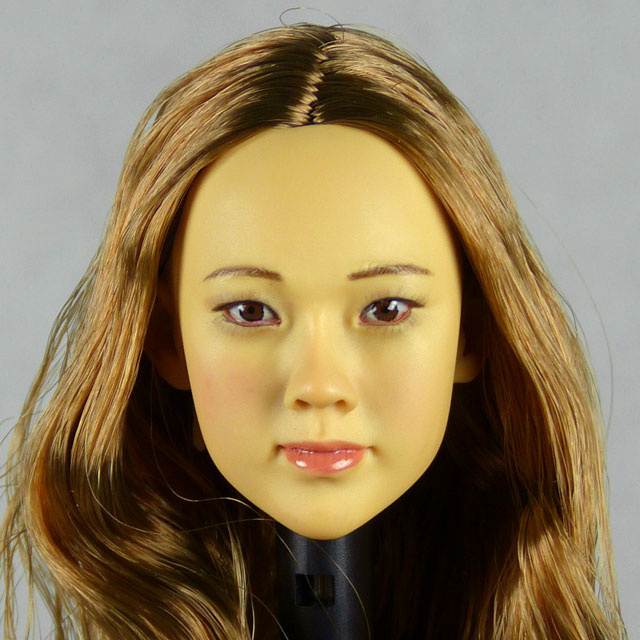Kumik 1/6 Scale Female Head Sculpt Vicky With Hairpiece - KK-1001 1