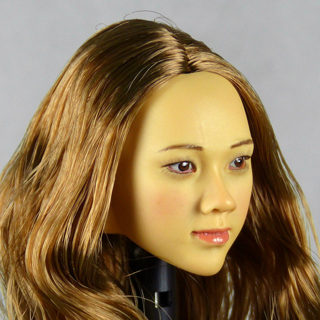 Kumik 1/6 Scale Female Head Sculpt Vicky With Hairpiece - KK-1001 2