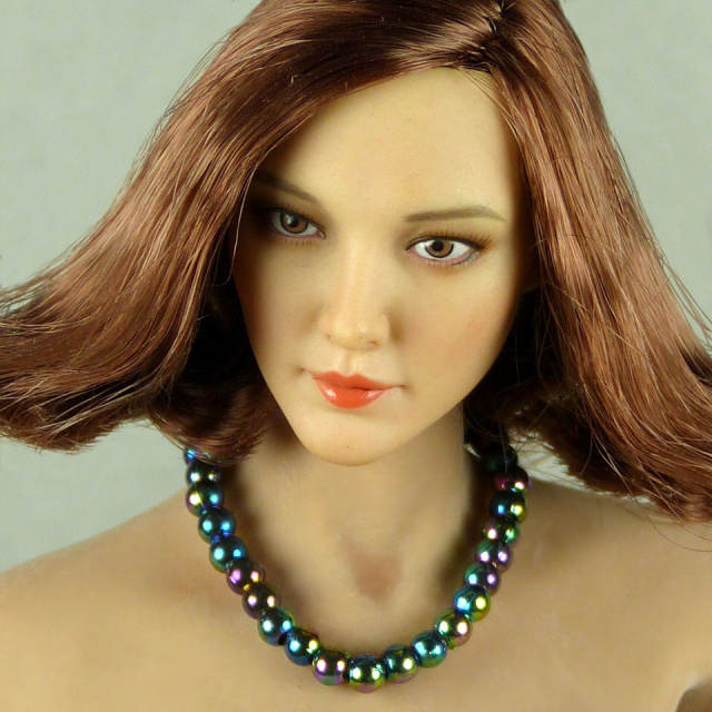 Nouveau Toys 1/6 Scale Female Dark Iridescent Pearl Single Loop Necklace