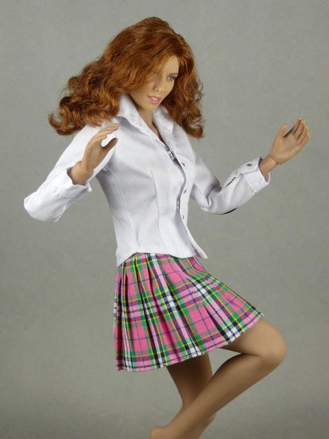 afa575b0cb32 Nouveau Toys 1/6 Scale Female White Shirt & Pink Plaid Skirt Set